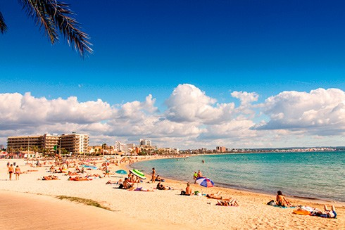 Palma har både attraktiv by og strand