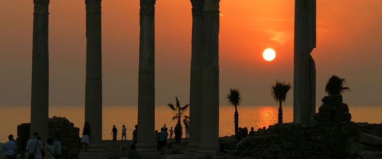 Romerska ruiner i Side, Turkiet