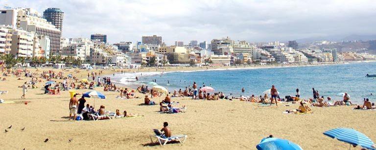 Stranden och staden i Las Palmas