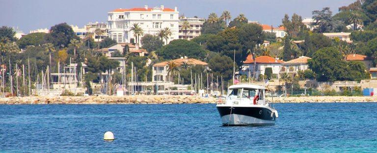 Sainte Maxime kust och båt