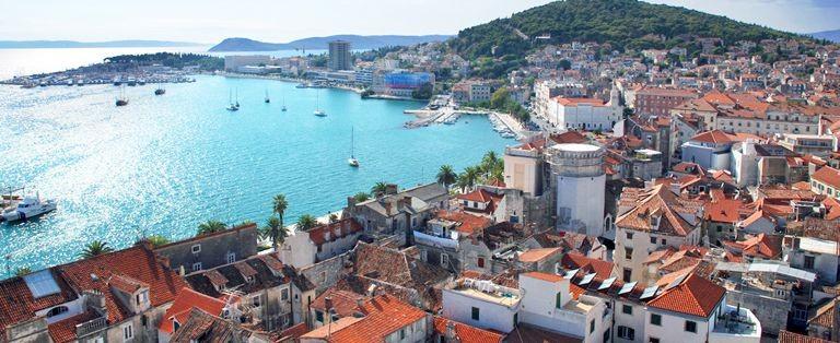 Vy över Split i Kroatien