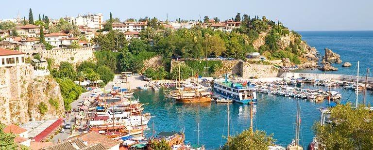 Gamla hamnen i Antalya