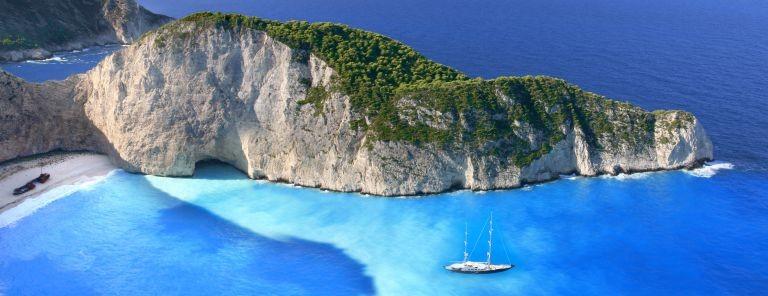 Den beröma stranden på Zakynthos i Grekland med förlista skeppet