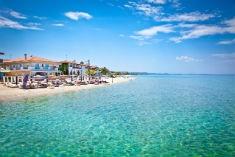 Grekland - Vacker strand vid Pefkochori beach på Kasandra Peninsula 235x157
