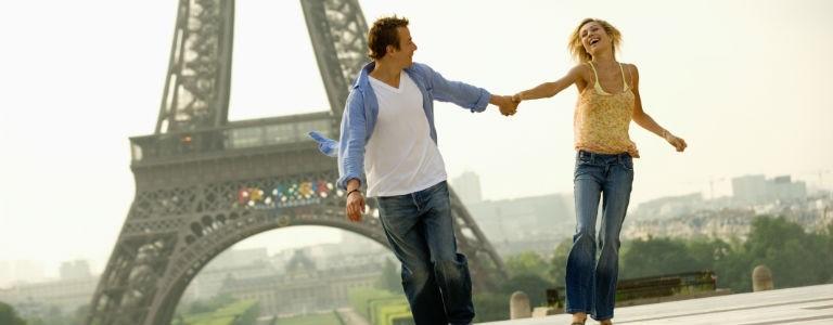 Paris par Eiffeltornet 768x300