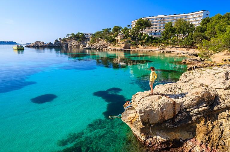 DEJLIGT OM FORÅRET: Med en sen påske er der stor chance for at få solrige dage på Mallorca.