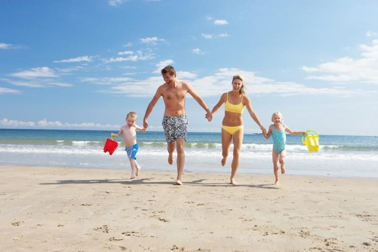 FAMILJ: Kombinationen solgaranti, fantastiska stränder och bra priser är oslagbart för barnfamiljens sommarledighet.